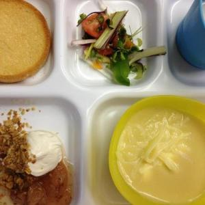 this tray features soup, salad, crumble, and a hoecake
